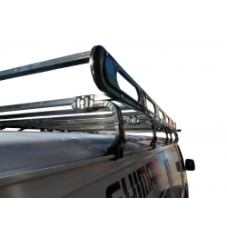 Montacarga con bota agua. Modelo Toyota Hiace.